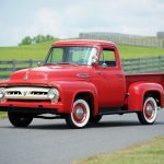 Ford F-100 1953: Una camioneta icónica
