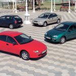 Mazda Artis Sedán y hatchback: Se comercializó en Chile entre los años 1995 y 1999